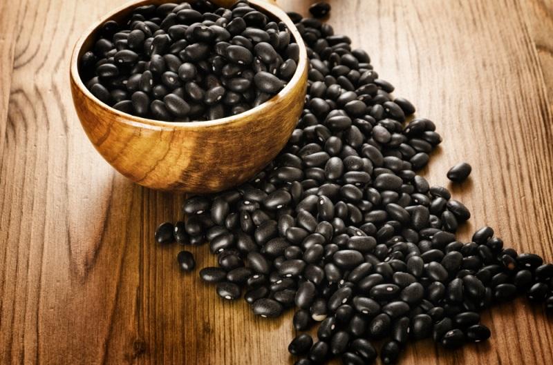 Đậu đen chứa nhiều chất dinh dưỡng tốt cho sức khỏe.