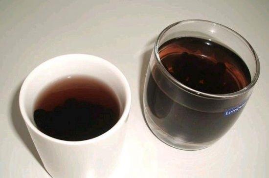 Uống nước đậu đen mát gan,đẹp da