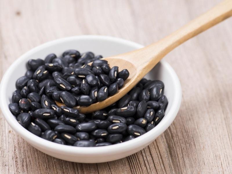 Lợi ích của đậu đen rang