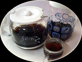 Uống nước đậu đen rang trị mụn hiệu quả