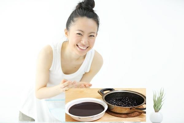 Rửa mặt kết hợp uống nước đậu đen để trị mụn tốt hơn