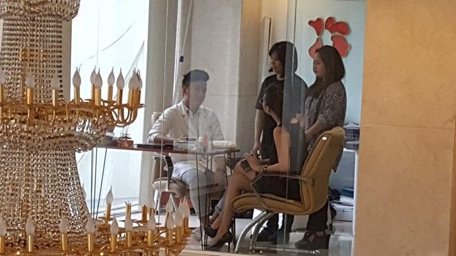 Hé lộ lý do thực sự khiến 'nữ hoàng dao kéo' Phi Thanh Vân rời showbiz