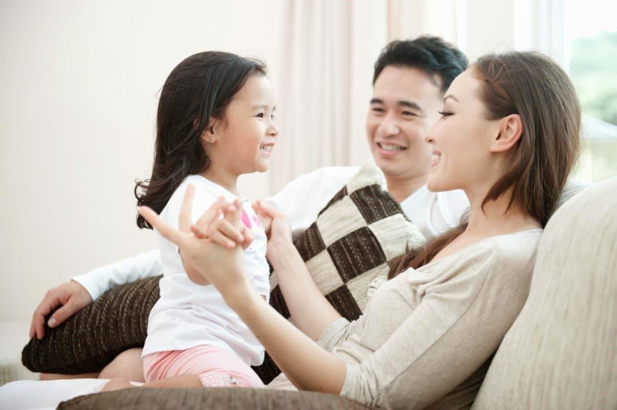 Trẻ mẫu giáo rất thích thú với việc mang thai và sinh nở