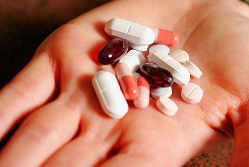 Có nên uống thuốc chữa đau đầu thường xuyên? - Ảnh 1