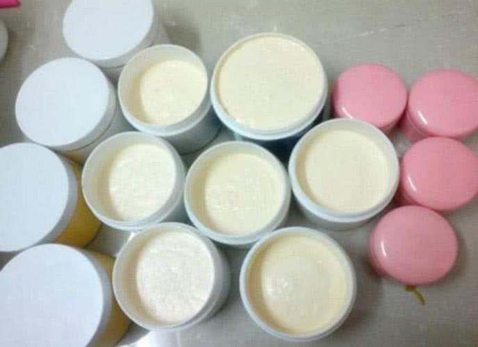 Vaseline có thể làm kem trộn dưỡng da trị thâm mụn hiệu quả hơn