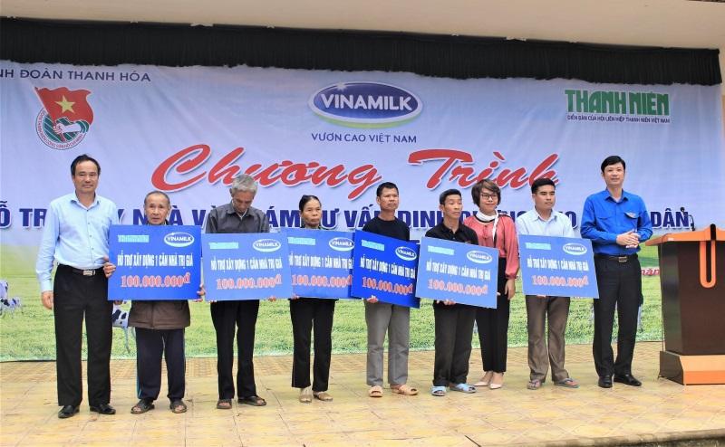 Vinamilk hỗ trợ 3 tỷ đồng cho người dân vùng lũ 3 tỉnh Yên Bái, Hòa Bình và Thanh Hóa - Ảnh 3