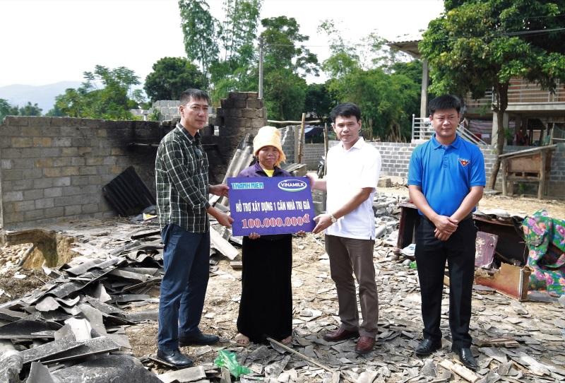 Vinamilk hỗ trợ 3 tỷ đồng cho người dân vùng lũ 3 tỉnh Yên Bái, Hòa Bình và Thanh Hóa - Ảnh 4