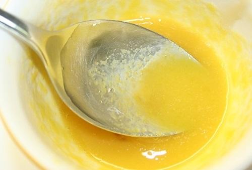 Làm mặt nạ Vitamin C trị mụn trứng cá, làm trắng da cực kỳ hiệu quả