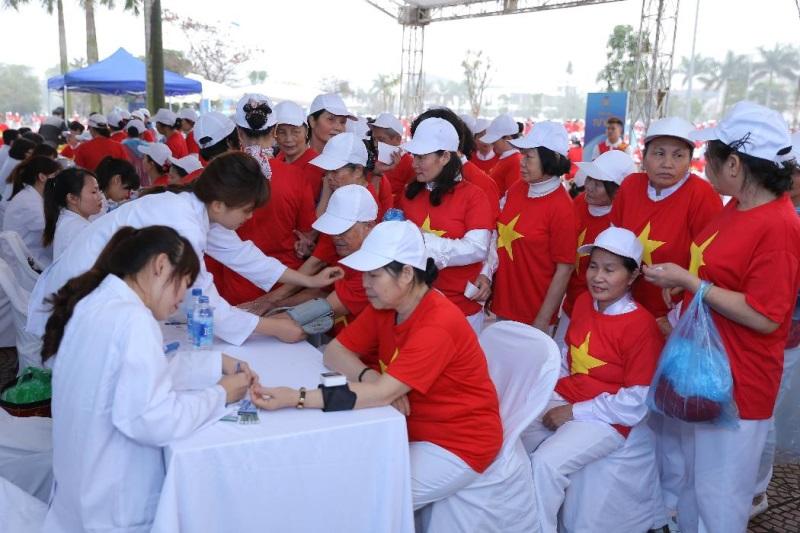 Vinamilk xác lập kỷ lục mới 'Đồng diễn thể dục dưỡng sinh có số lượng người cao tuổi tham gia đông nhất Việt Nam' - Ảnh 7