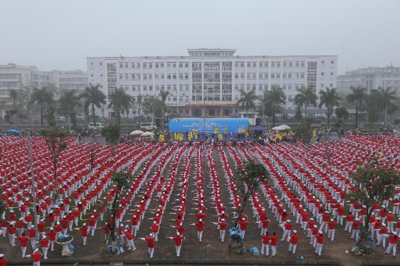 Vinamilk xác lập kỷ lục mới 'Đồng diễn thể dục dưỡng sinh có số lượng người cao tuổi tham gia đông nhất Việt Nam' - Ảnh 1