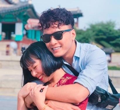 Kỷ niệm 16 năm bên nhau, Hồng Đăng và bà xã 'trốn' 2 con đi du lịch