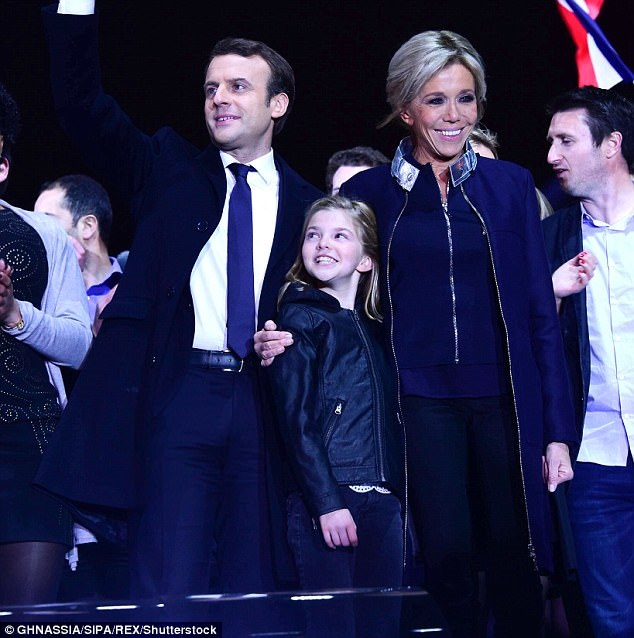 Dù lớn hơn chồng 24 tuổi nhưng vợ tổng thống Pháp vẫn trẻ trung bất ngờ nhờ bí quyết này - Ảnh 1