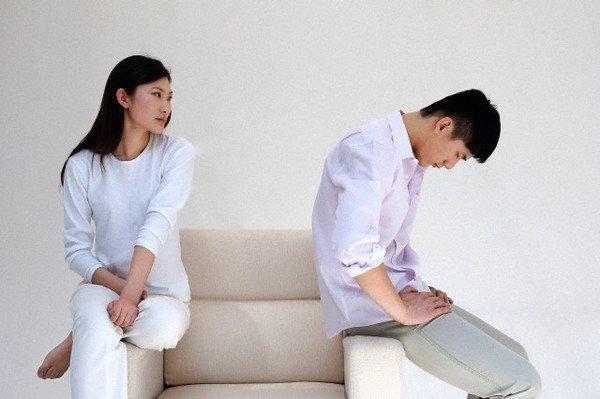 Day dứt vì ly hôn vẫn ân ái mặn nồng với chồng cũ - Ảnh 1