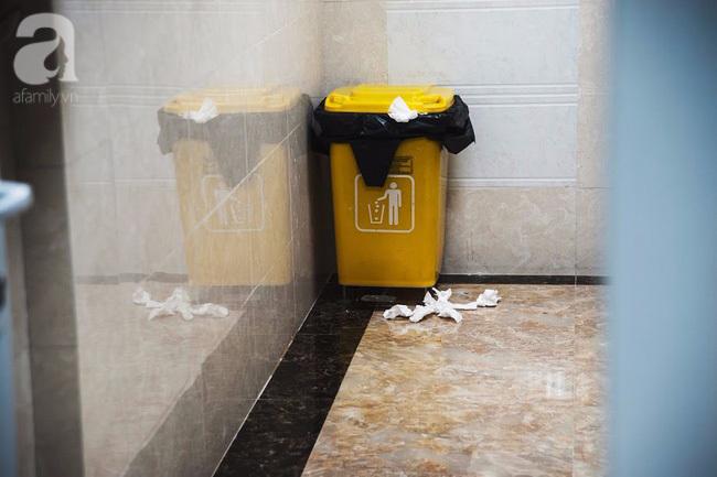 1001 nỗi ám ảnh mang tên 'vệ sinh chung công sở' mà cô nàng nào cũng từng gặp phải - Ảnh 11