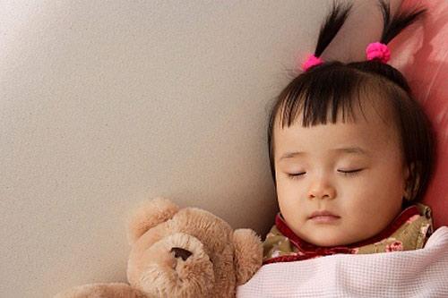 Mách cha mẹ cách giúp bé đi ngủ và thức dậy đúng giờ để chiều cao phát triển vượt bậc - Ảnh 3