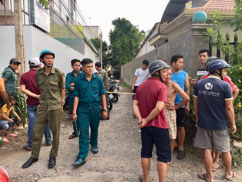 Vụ thảm sát ở Bình Dương: Cửa nhà nạn nhân và những người hàng xóm đều bị cột chặt bằng dây kẽm - Ảnh 2