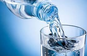 Nước không làm tăng lượng đường trong máu. Ảnh: Internet