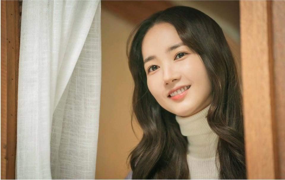 Park Min Young tái xuất với tạo hình xinh đẹp, ngọt ngào đậm chất thanh xuân trong phim mới - Ảnh 4