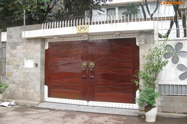 Trang trí cổng nhà đón Tết theo cách này để may mắn ầm ầm kéo đến - Ảnh 2