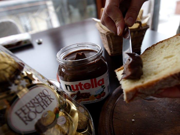 Tỷ phú giàu nhất Italy với đế chế bánh kẹo lớn thứ 2 thế giới - Ảnh 3