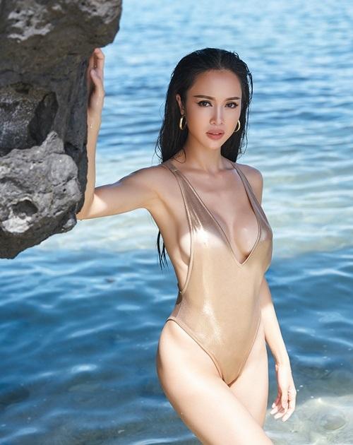 Đã tìm ra mỹ nữ chiếm ngôi 'sexy nhất showbiz' của Ngọc Trinh - Ảnh 11