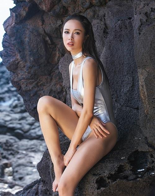 Đã tìm ra mỹ nữ chiếm ngôi 'sexy nhất showbiz' của Ngọc Trinh - Ảnh 12