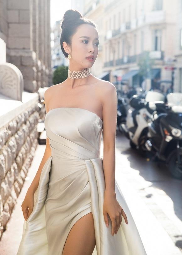 Đã tìm ra mỹ nữ chiếm ngôi 'sexy nhất showbiz' của Ngọc Trinh - Ảnh 6