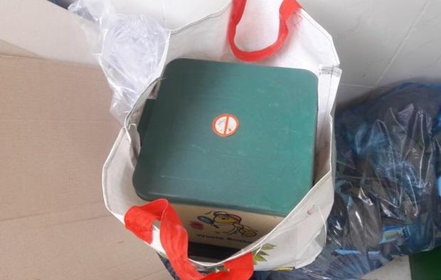 Đã xác định danh tính người mẹ và lý do vứt bỏ cặp thai nhi song sinh trong sọt rác nhà vệ sinh ở TP.Vũng Tàu - Ảnh 1