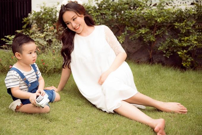 Có thể bạn không biết nhưng những sao Việt xinh đẹp này đã là bà mẹ 2 con rồi đấy - Ảnh 11
