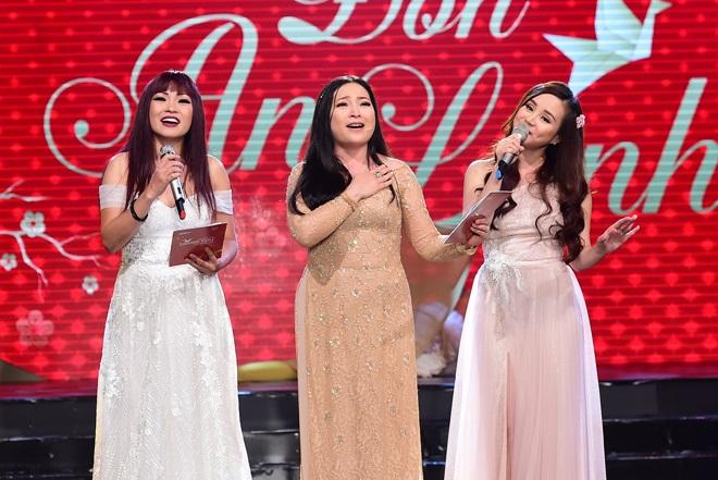 Con gái của Vy Oanh và chồng đại gia hơn 15 tuổi gây chú ý hơn cả mẹ - Ảnh 7