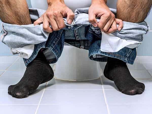 8 nguyên nhân gây ra nhiễm trùng đường tiểu bạn phải biết  - Ảnh 2