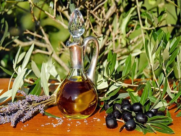 9 lợi ích sức khoẻ bất ngờ nếu ăn dầu Olive mỗi ngày - Ảnh 1