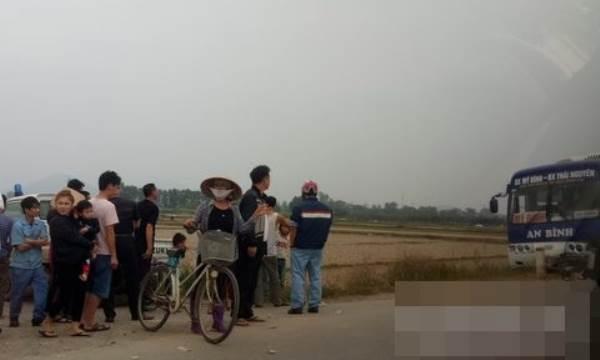 Xe khách tông chết nam thanh niên đi xe máy - Ảnh 1