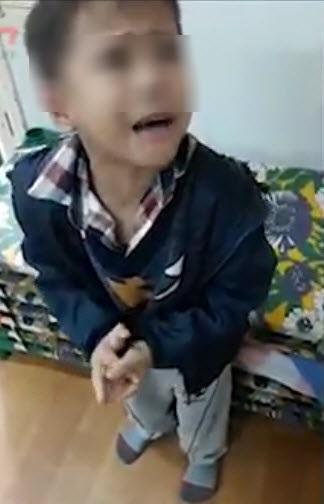 Cậu bé xin lỗi cô giáo dạy trẻ gây sốt: Con không muốn làm điều ác nữa! - Ảnh 1