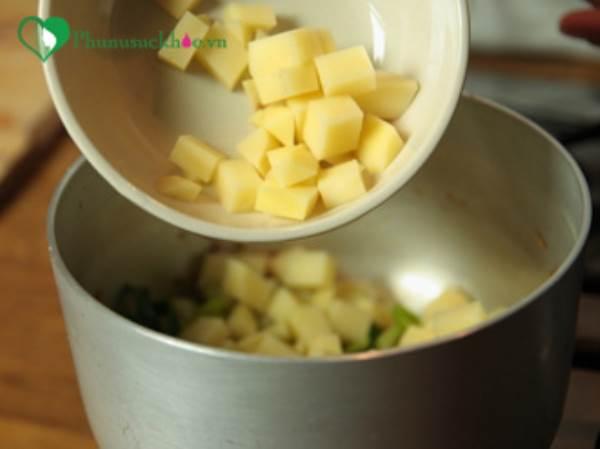 Trẻ gầy đến mấy cũng tăng cân đều đều nhờ món súp khoai tây chế biến theo cách này - Ảnh 2