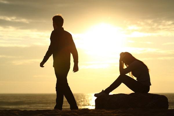 Người chồng không còn yêu vợ nữa sẽ có 6 biểu hiện này - Ảnh 1