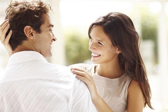 Đàn ông lấy vợ nhất định phải lấy những người phụ nữ nói nhiều - Ảnh 1