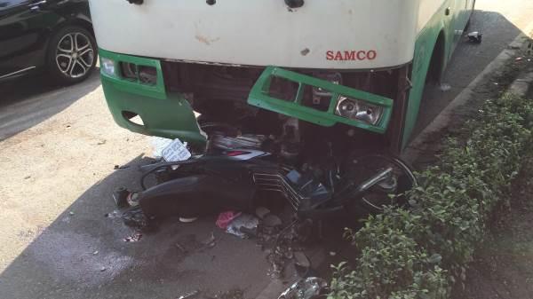 Người đàn ông và nữ sinh bị xe buýt kéo lê ở Sài Gòn - Ảnh 2