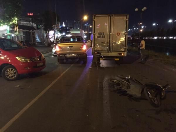 2 người bị thương sau tai nạn liên hoàn giữa 5 phương tiện ở Sài Gòn - Ảnh 1